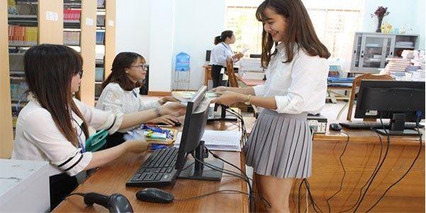 ứng dụng máy in nhãn cầm tay trong thư viện