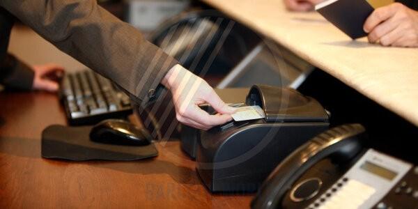 Máy quét hộ chiếu mang đến khả năng ghi nhận các trường thông tin từ hộ chiếu nhanh chóng, chính xác tuyệt đối
