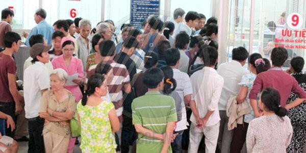 Tình trạng đông đúc tại bệnh viện, cơ sở y tế khi còn áp dụng phương pháp cũ