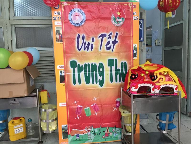 Đón trung thu ấm áp cùng các bé tại Bệnh viện Phạm Ngọc Thạch của đội ngũ Công ty TNHH Thế Giới Mã Vạch