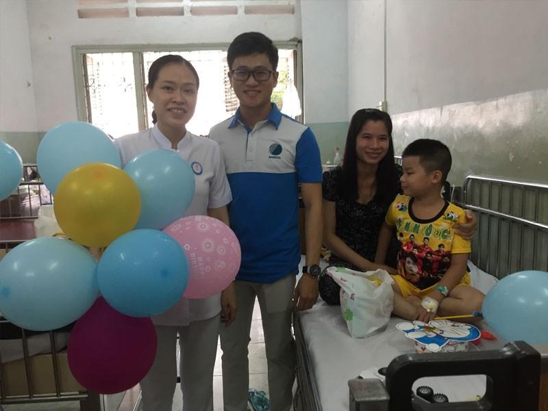 Đón trung thu ấm áp cùng các bé tại Bệnh viện Phạm Ngọc Thạch của đội ngũ Công ty TNHH Thế Giới Mã Vạch (1)