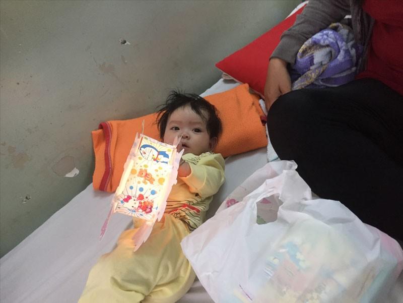 Đón trung thu ấm áp cùng các bé tại Bệnh viện Phạm Ngọc Thạch của đội ngũ Công ty TNHH Thế Giới Mã Vạch (2)