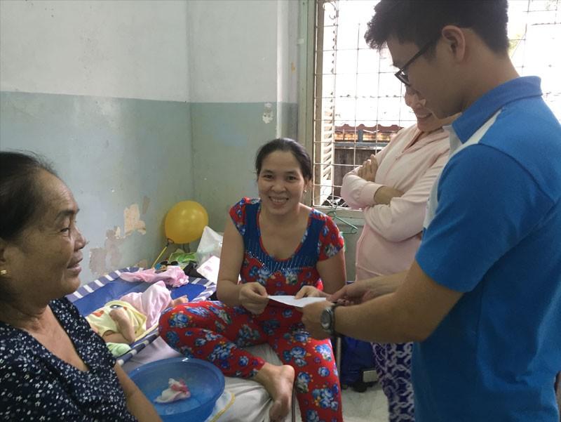 Đón trung thu ấm áp cùng các bé tại Bệnh viện Phạm Ngọc Thạch của đội ngũ Công ty TNHH Thế Giới Mã Vạch (3)